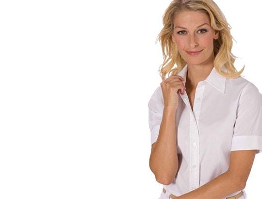 Blusen und Shirts