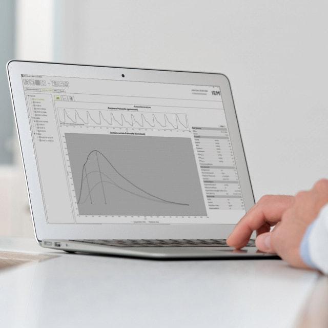 Permette l'analisi delle onde di impulso con holter pressorio Mobil-O-Graph di IEM
