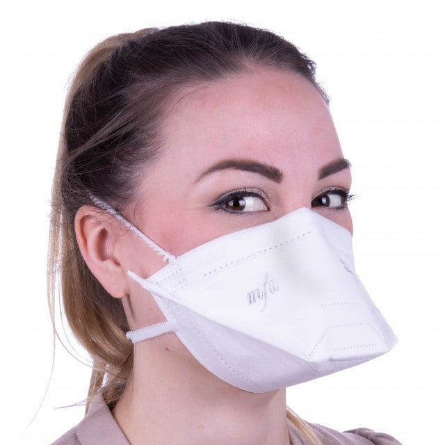FFP2 respirator mask with flexible nose clip and 2 elastic headbands to keep the mask in place