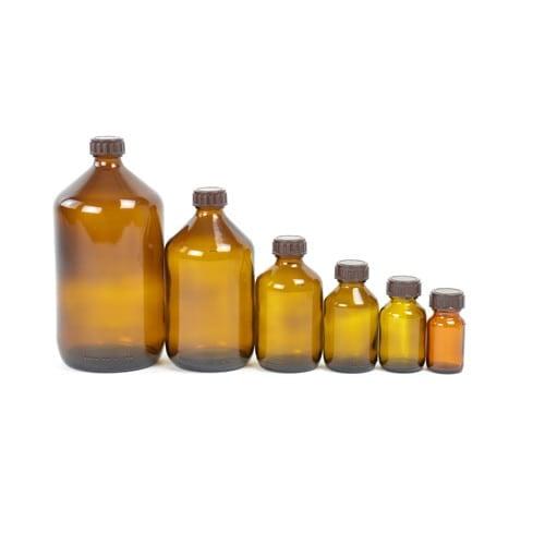 Apothekersflessen gemaakt van bruin glas in verschillende maten van 30 - 1000 ml