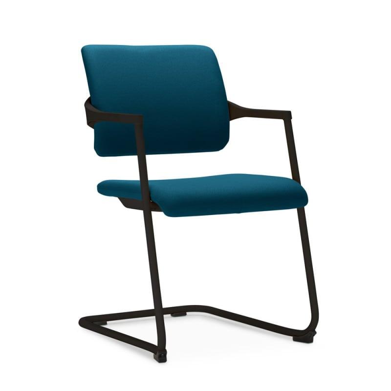Freischwinger-Stuhl mit bequem gepolsterter Sitz- und Rückenfläche