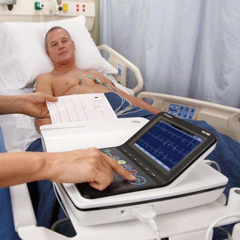 GE MAC 2000 Ruhe-EKG - wahlweise erhältlich als Einzelgerät oder Set (inkl. Sauganlage & Gerätewagen)