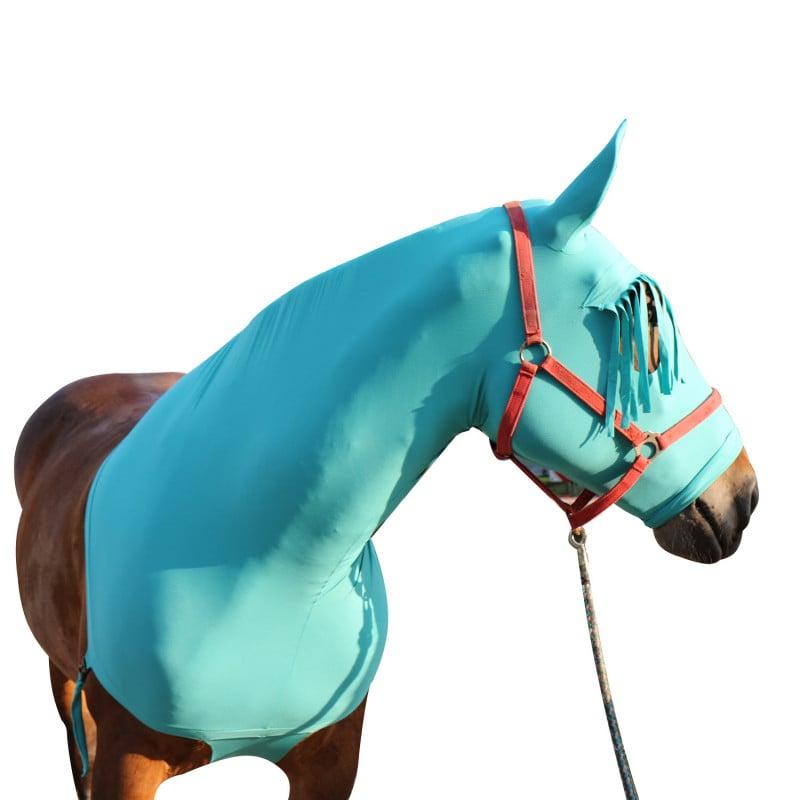 Het paardenmasker beschermt het gehele hoofd, de oren en hals