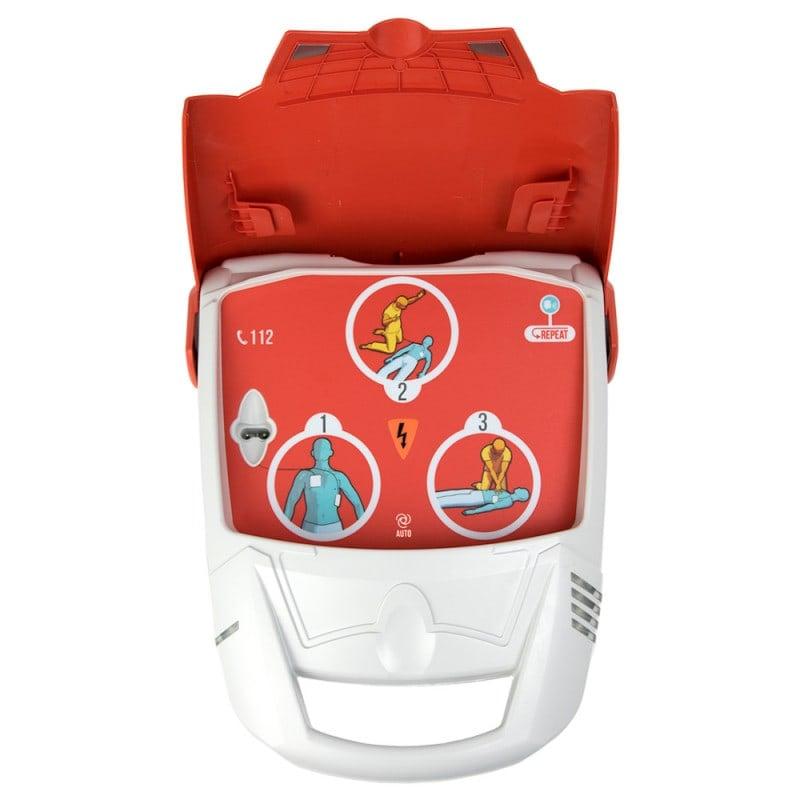 Der AED schaltet sich automatisch ein, wenn der Deckel aufgeklappt wird