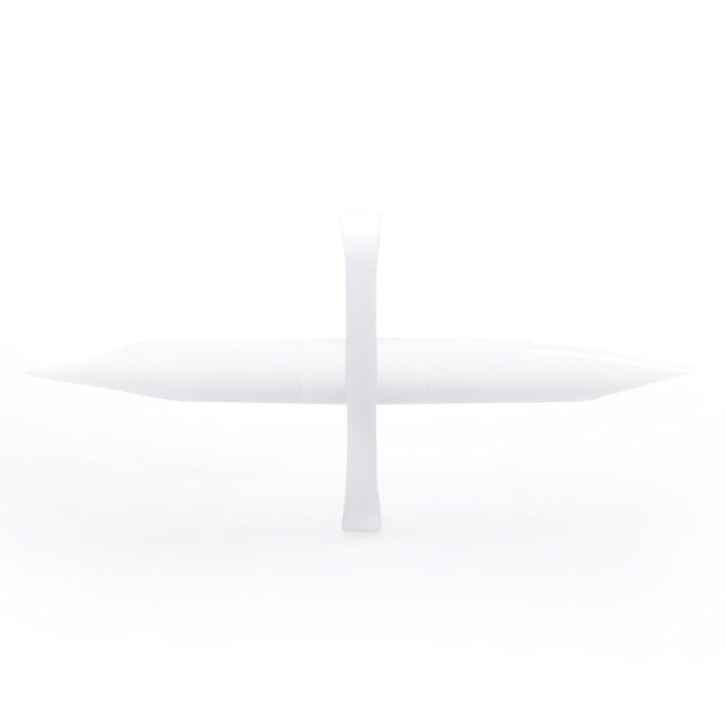 Con dos puntas afiladas y finas de unos 3 cm de longitud