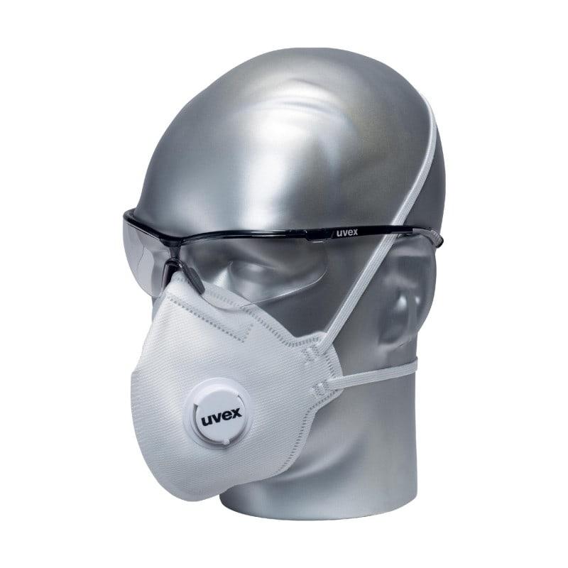 Wbudowana uszczelka wargowa dookoła maski i regulowana długość opaski zapewniają komfort noszenia