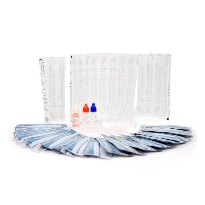 Das Kit beeinhaltet Testkassetten, Extraktionsröhrchen sowie Tupfer & Reagenzien für 20 Tests