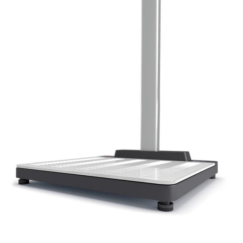 Flat weighing platform made of break-resistant  seca Bearclaw Glass®