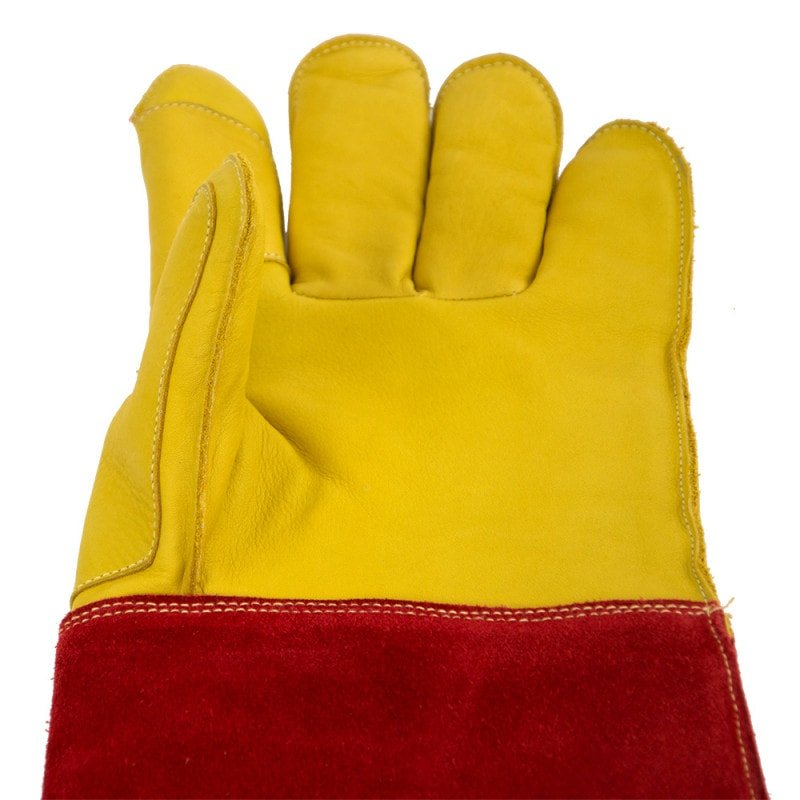 Each glove features a double layer of leather on the thumb and pointer finger