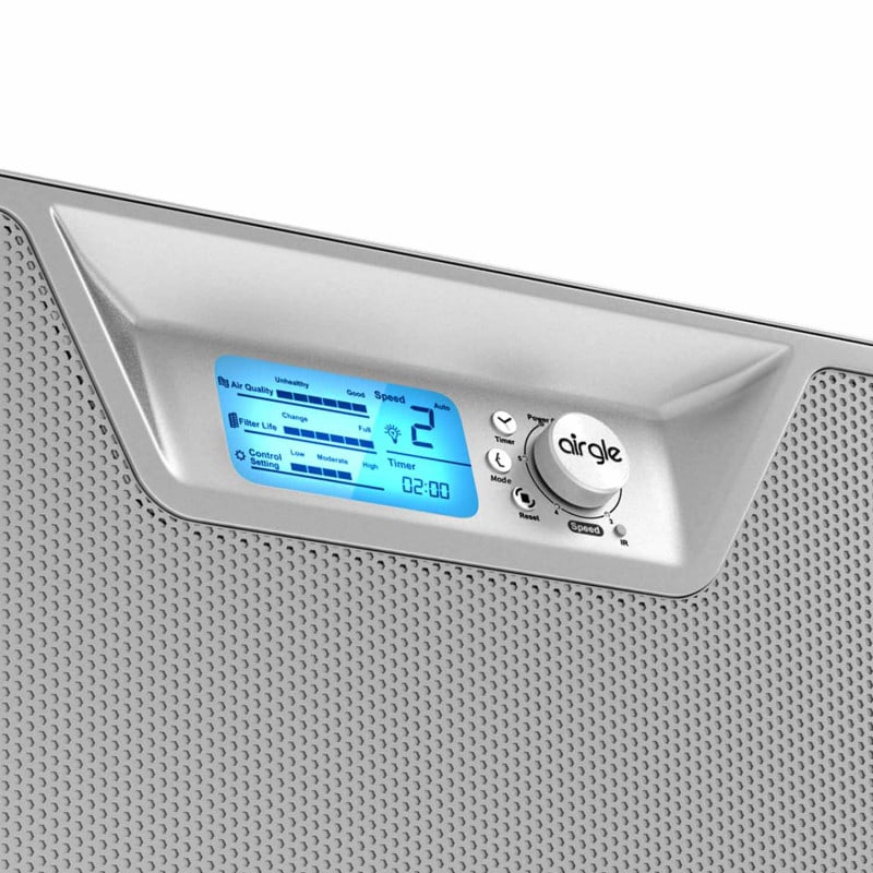 State-of-the-art control panel allows, among other things, adjustment of the fan speed
