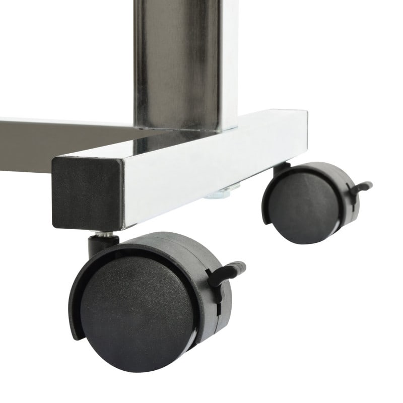 With two lockable and two standard castors