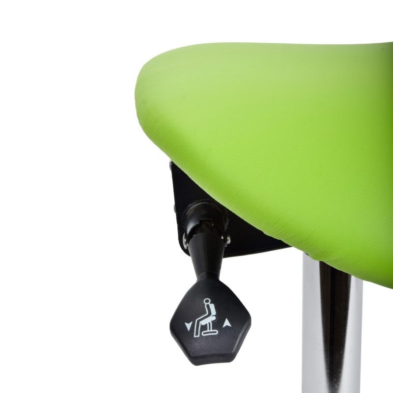 The angle of the seat can be easily adjusted with the hand lever