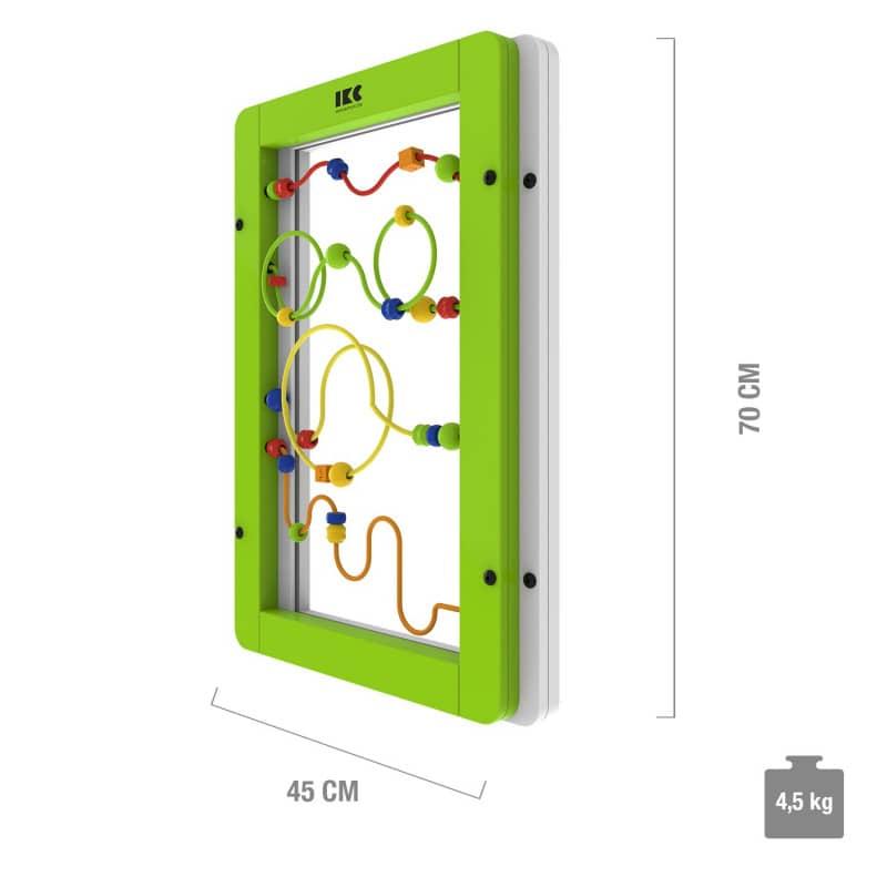 Die Wandspielplatte ist mit grünem und weißem Rahmen erhältlich