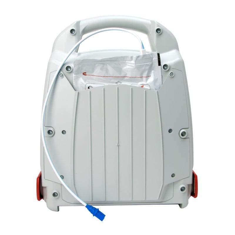 Im Fach auf der Rückseite können die Defibrillations-Elektroden untergebracht werden