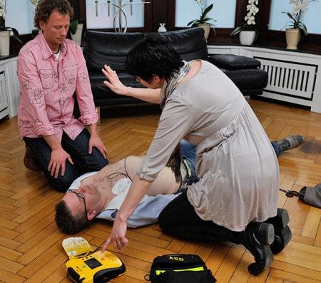 Reanimation mit dem automatisierten externen Defibrillator (AED)