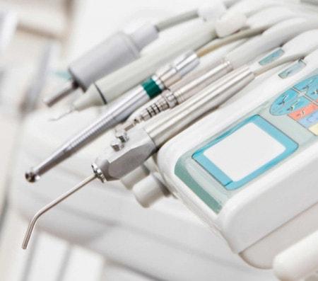 Matériel dentaire et fournitures d'urgence