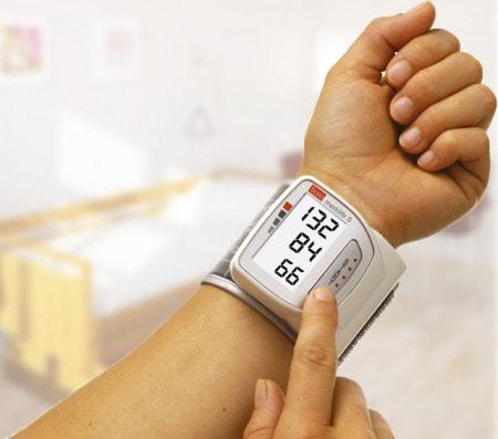 Digitales Blutdruckmessgerät für das Handgelenk