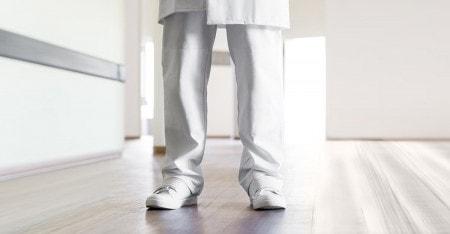 Pantaloni sanitari