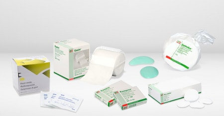Wound Care with Swabs and Compresses