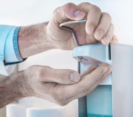Händedesinfektion mit Händedesinfektionmittel