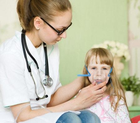 Inhalation mit dem Inhaliergerät