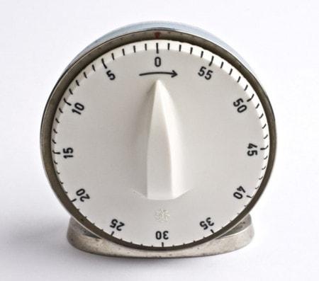 Laboruhr und Kurzzeitmesser für Arztpraxis oder Labor