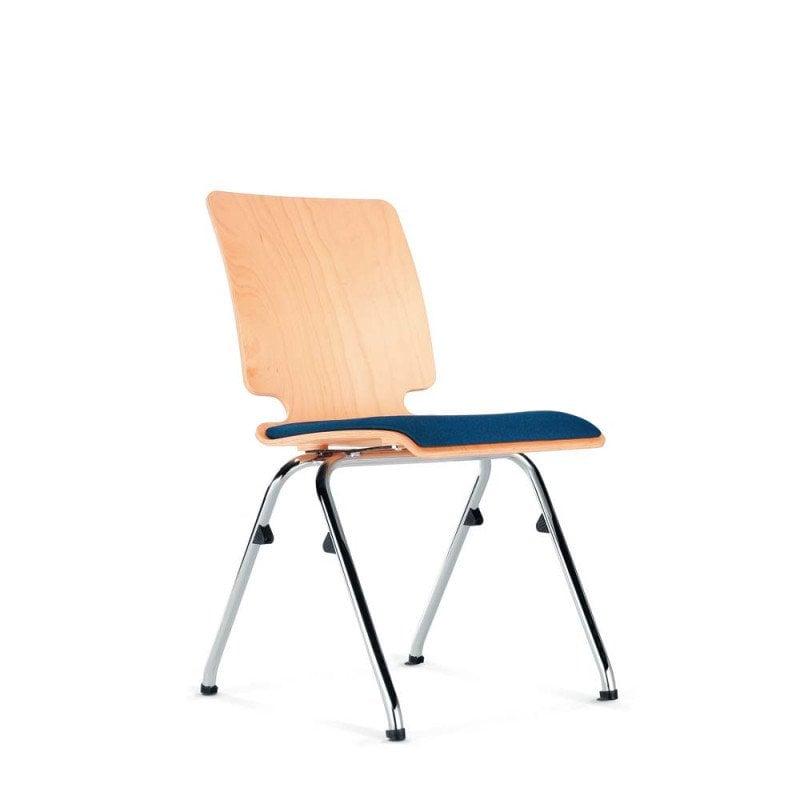 Chaise en bois empilable