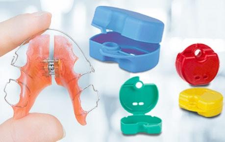 Farbige Zahnspangendose