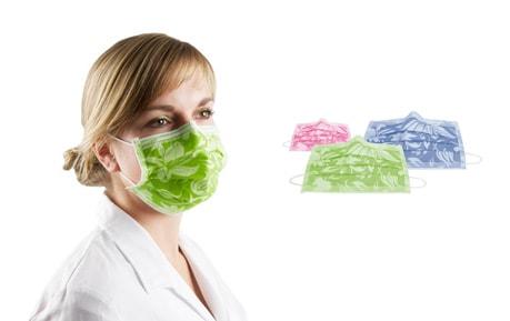 Mundschutz und Hauben
