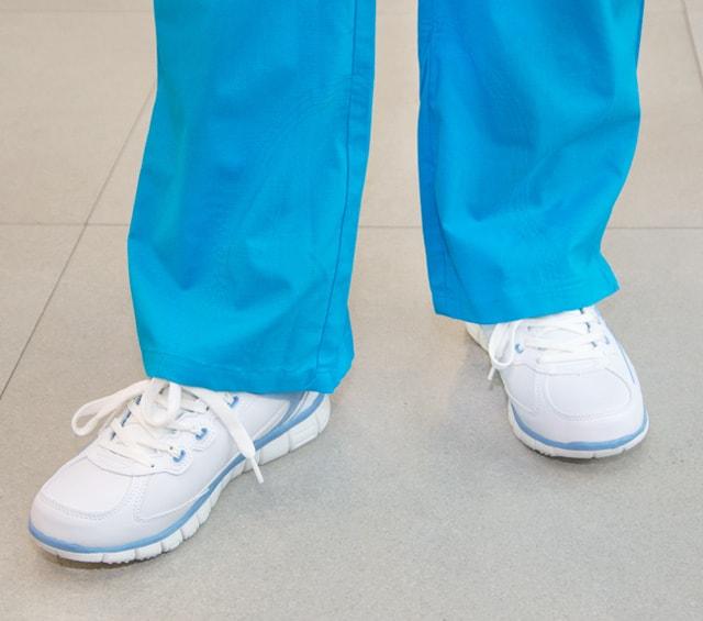 Chaussures de travail pour les soins et la médecine
