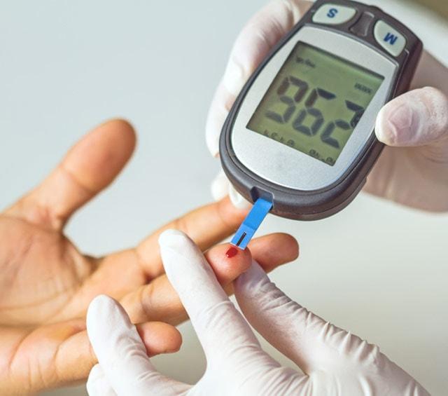 Blutzuckermessung mit dem Blutzuckermessgerät
