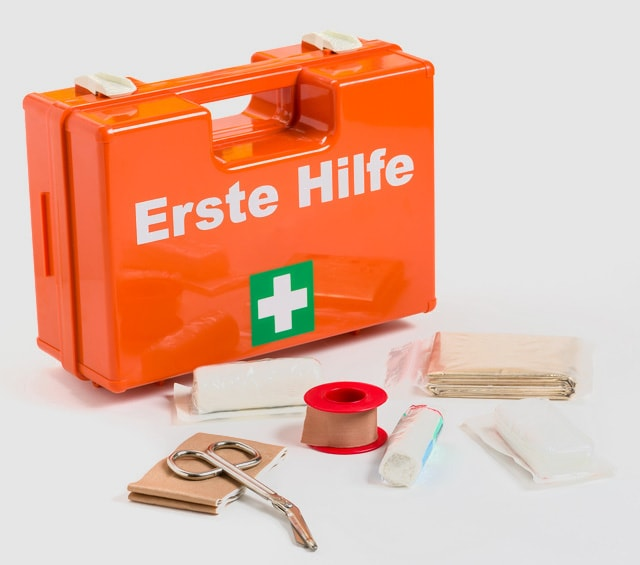 first aid kits emergency kits rescue packs plaster dispensers. Black Bedroom Furniture Sets. Home Design Ideas