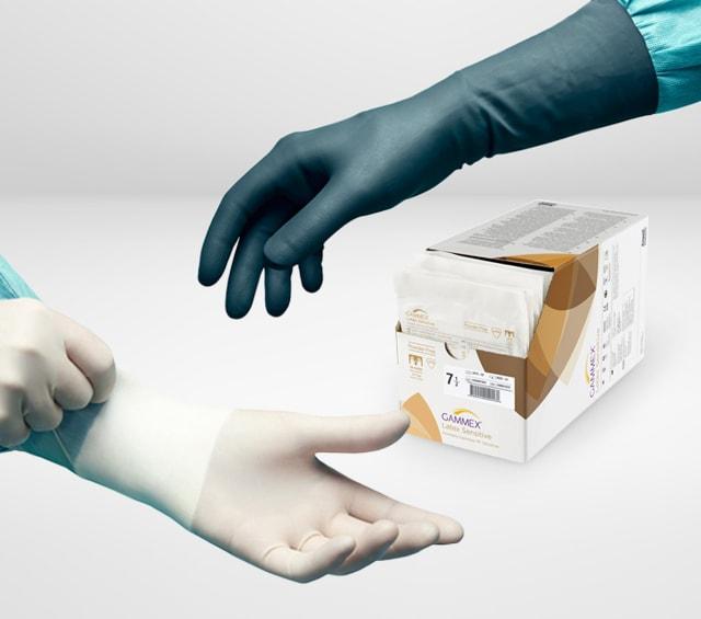 OP-Handschuhe bei einem chirurgischen Eingriff
