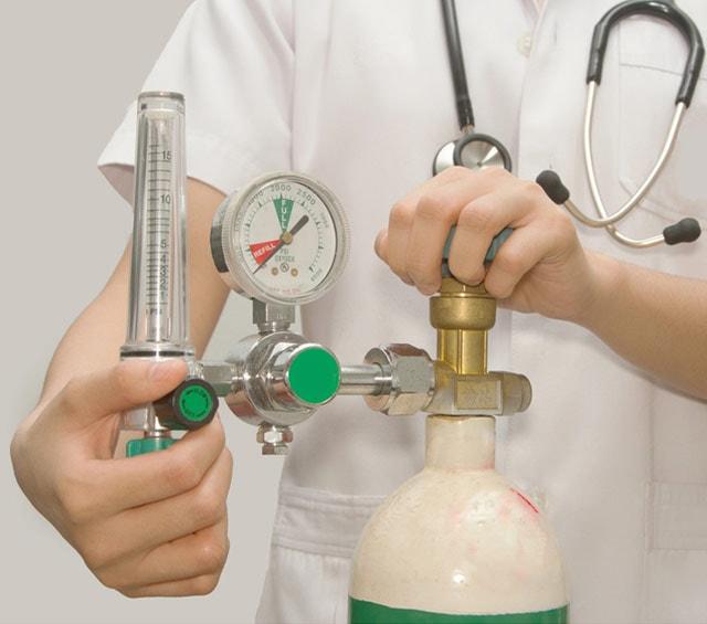 Sauerstoffflaschen für den Notfallbedarf in der Medizin