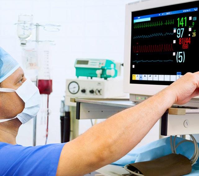 Surveillance des fonctions vitales avec un moniteur patient